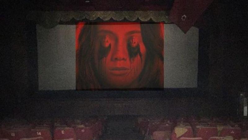 Ekstrim! Joko Anwar akan Gelar Nobar Perempuan Tanah Jahanam di Bioskop Angker Atoom
