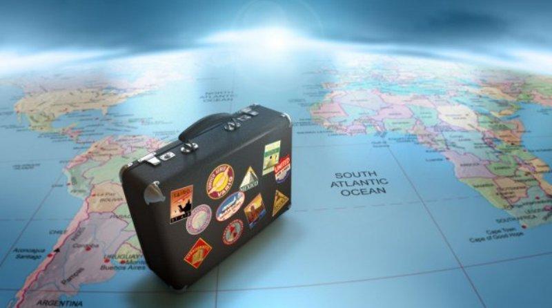 barang yang wajib dibawa saat pergi ke luar negeri