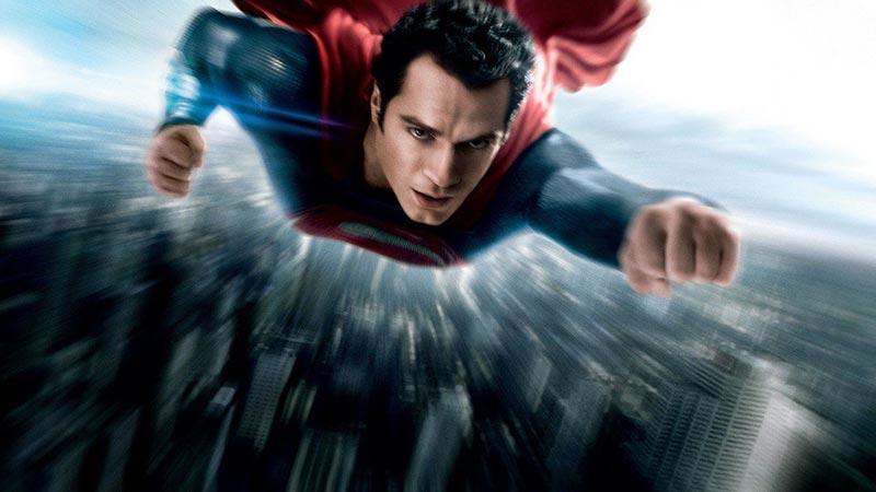 Henry Cavill Tanggapi Rumor akan Kembali Perankan Superman!