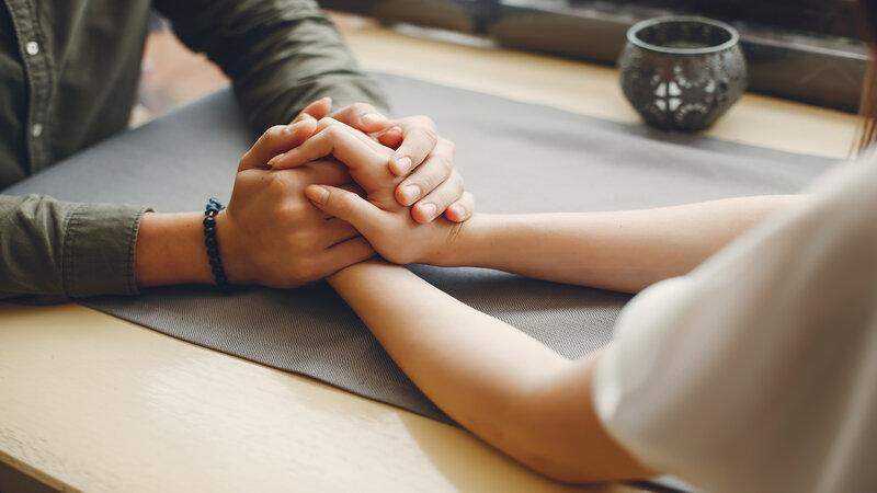 Mengenal Lima Bahasa Kasih, Sebuah Ekspresi yang Biasa Digunakan Sepasang Kekasih!